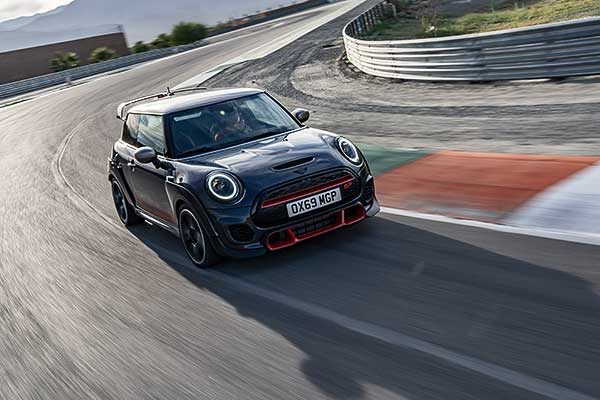 A korszerű MINI John Cooper Works GP